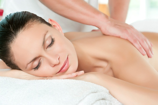 Lymphatic drainage massage in the Spa against pain